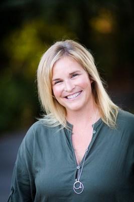 Jennifer Jones (CNW Group/Everest Funeral Concierge)