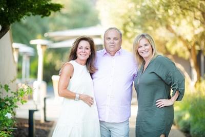 Cheryl, Randy, Jennifer (CNW Group/Everest Funeral Concierge)